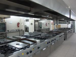 Cocina restaurante lostinworld for Distribucion de una cocina para restaurante