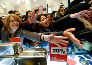 shoppers-beg-sales-assistants-for-perfume-products-in-selfridges-on-the-morning-of-the-boxing-day-sales-in-london-ay_100382423