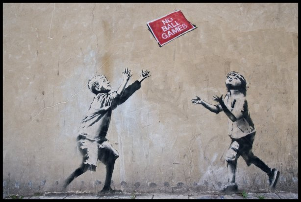 Graffiti-Wallpaper-Banksy-No-Ball-Games
