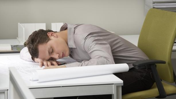siesta-trabajo-nap-office